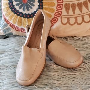 Life Stride loafer shoe
